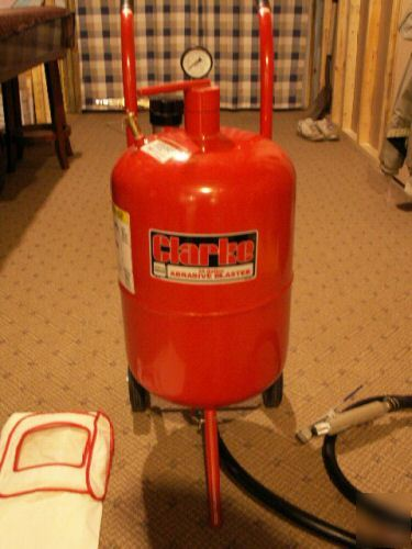 Clarke Sb9008 10 Gallon Pressure Pot Sandblaster