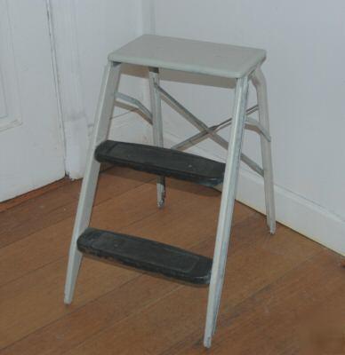 Nice Heavy Duty Sturdy Step Stool Metal Folding Ladder
